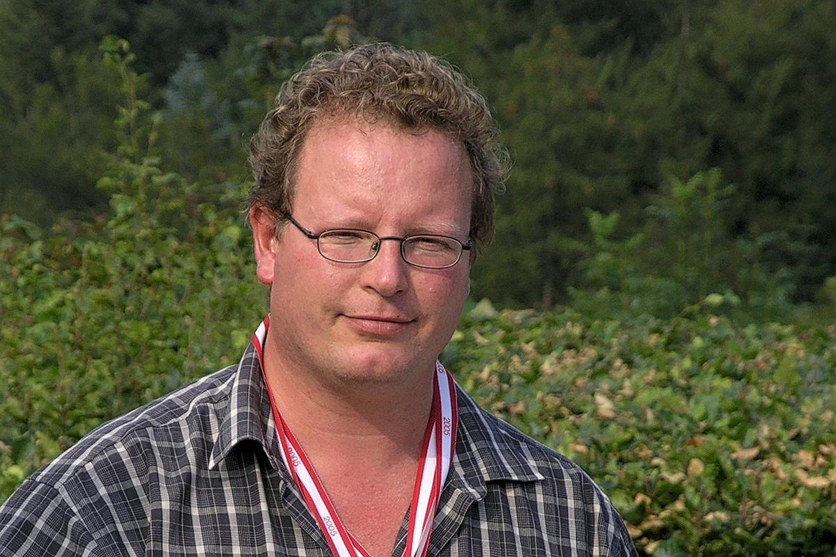 Jens Michael Gundersen Som årets Vinbonde Ved Dansk Vinskue I Vejle I 2005
